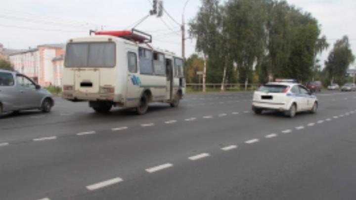 В Рыбинске автобус на переходе сбил женщину