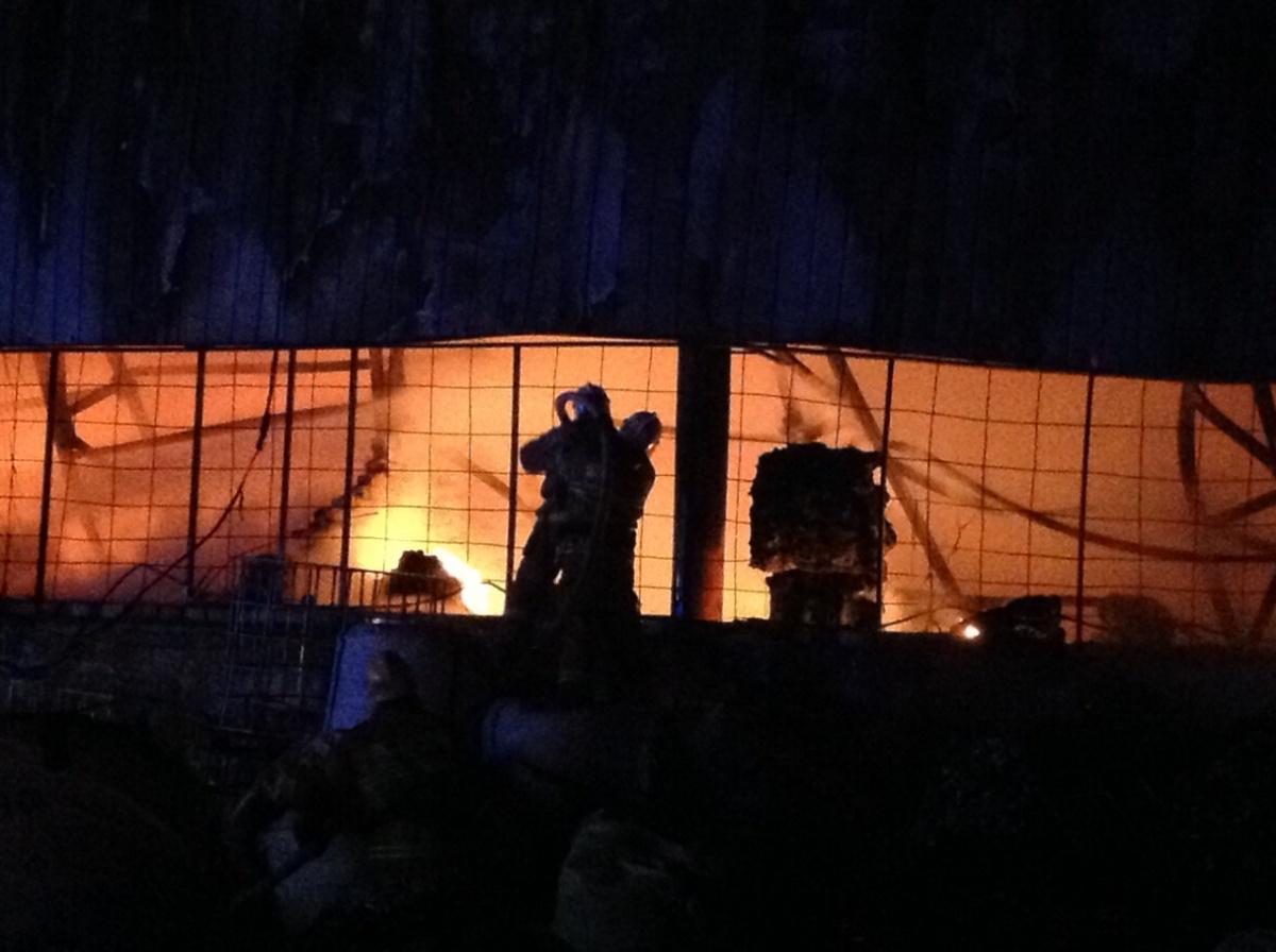 Чтобы справиться с огнём, пришлось задействовать десятки человек