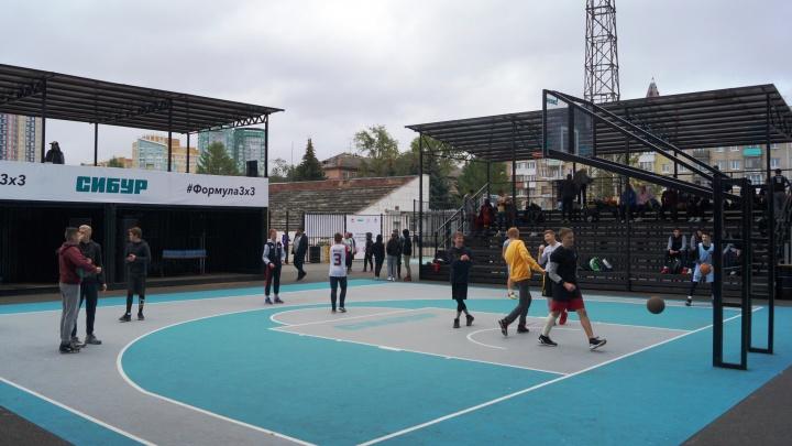 Рядом со стадионом «Юность» в Перми открылся Центр уличного баскетбола