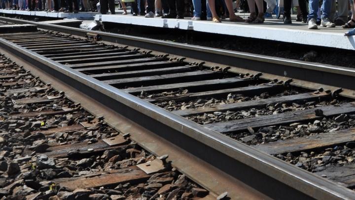 Прохожий погиб под поездом на станции Западная площадка