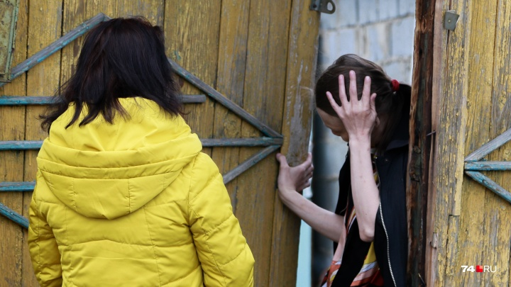 «Мама, ты меня спасла»: репортаж из Златоуста, где женщина с двумя детьми зарубила мужа топором