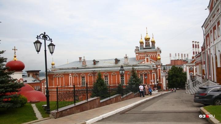 Самарцев пригласили помочь в реставрации Трапезного храма Иверского монастыря