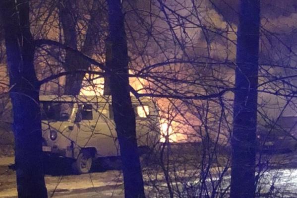 Пламя было видно даже из окон соседних домов