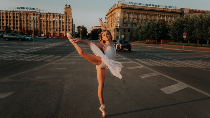 Маленькая балерина из Далласа прославила Волгоград фотосессией на его главных улицах