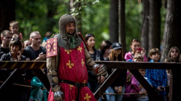 Из железа и стали: 15 лучших фото рыцарей и прекрасных дам