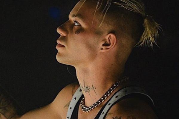 Алексей Узенюк родился в Новосибирске в 1994 году