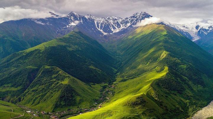 Новосибирский фотограф съездил в Северную Осетию — он снял место, где погиб актёр Сергей Бодров