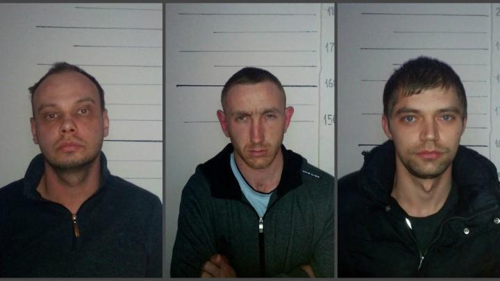Полицейские поймали разбойников, которые ворвались в ломбард на Уралмаше с гвоздодёром и монтировкой
