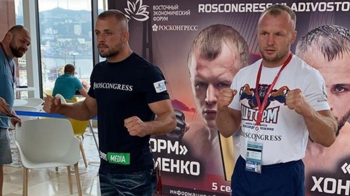 Омский боец ММА Александр Шлеменко проиграл американскому «Резаку» после пяти раундов