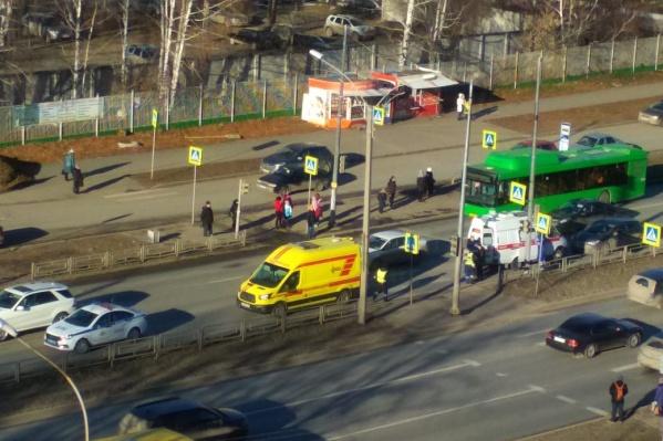 ДТП произошло рядом с пешеходным переходом
