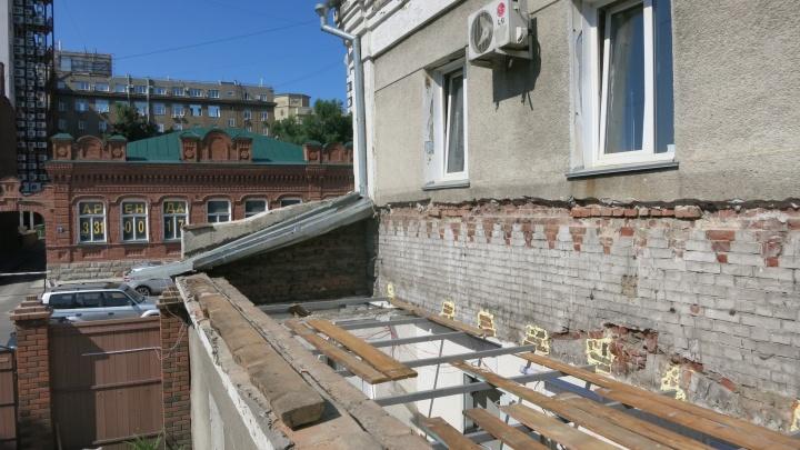 Рабочие нашли старинные кирпичи в стене новосибирского кинотеатра — зданию оказалось больше 100 лет