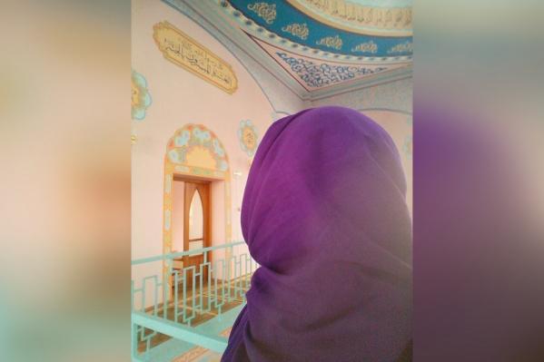 Женя решила принять ислам буквально через два месяца после знакомства со вторым мужем