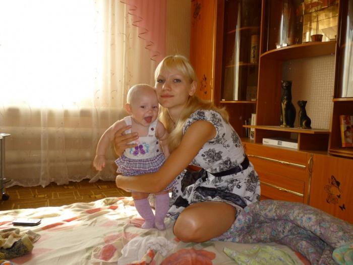 Анастасия с дочерью