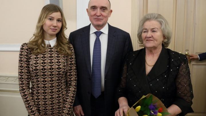 «Удачи в делах и большой любви»: Лидия Скобликова поздравила землячек с наступающим 8 Марта
