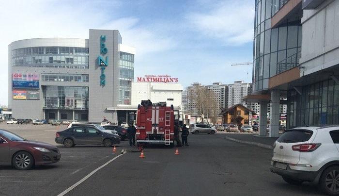 Испуганные пожарной тревогой посетители кинотеатра обнаружили закрытые двери в ТРЦ «Июнь»