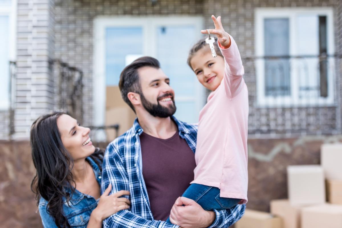 «Хрущёвка» или новострой: что выгоднее купить в ипотеку