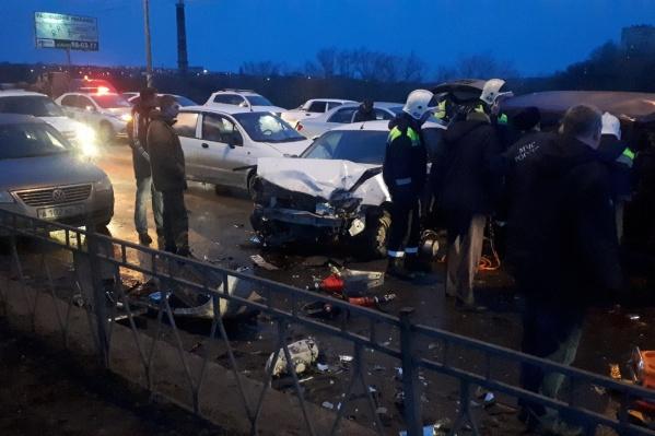 Авария произошла около 8:00