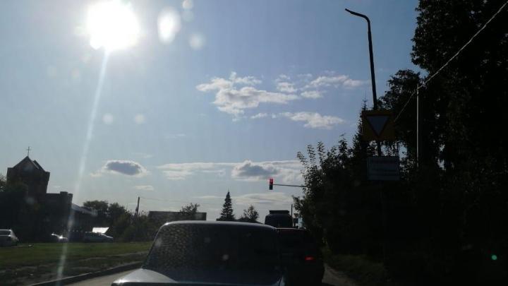 «Родникам теперь счастье»: на Фадеева появился светофор