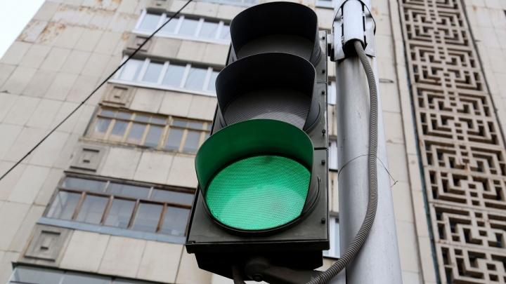 На опасном участке трассы под Уфой установили светофор