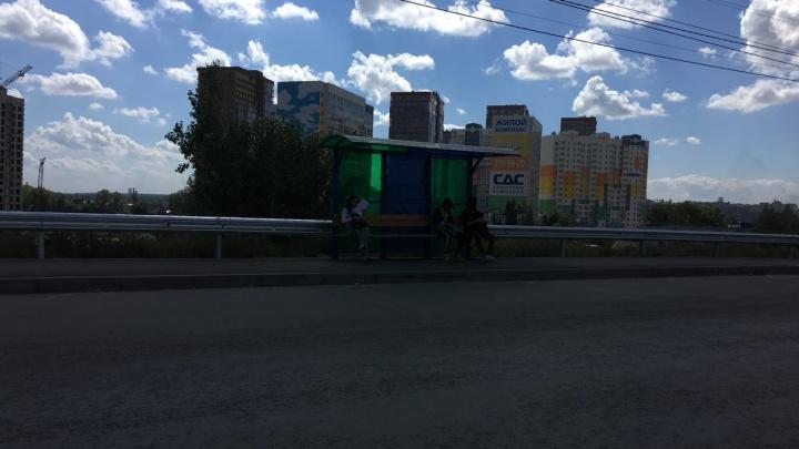 На Димитровском мосту появились новые остановки