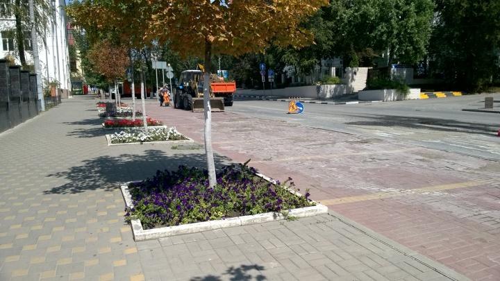 В Ростове прорвало трубу напротив ЖКХ Ленинского района