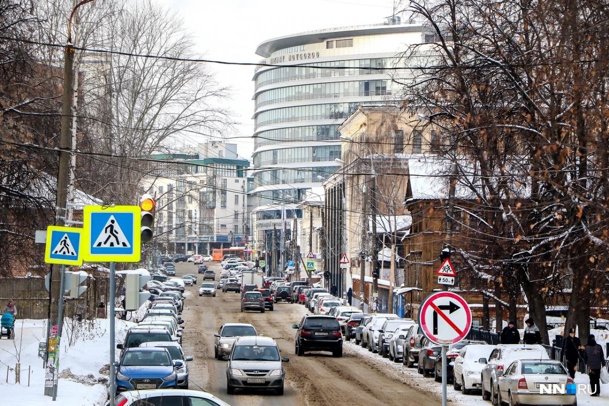 Движение на Ковалихинской сузили до одной полосы
