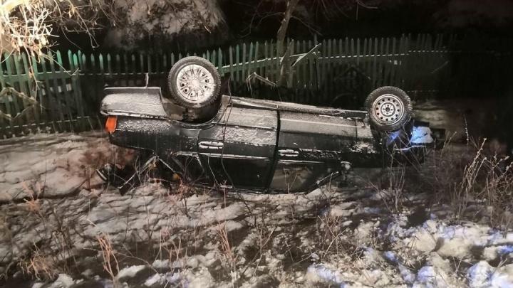Водитель из Башкирии опрокинул машину и бросил жену на месте ДТП