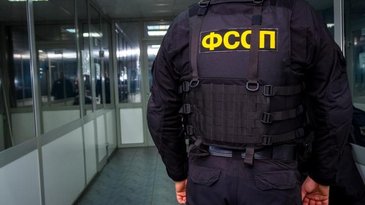Из судебного в осуждённые: главного пристава района на Южном Урале осудили за хищение трети миллиона