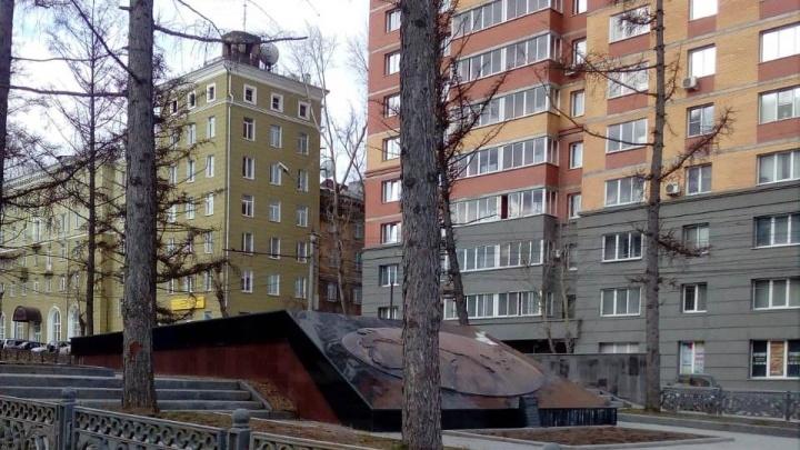 Уехала за бойцами: с Красного проспекта пропала БМП
