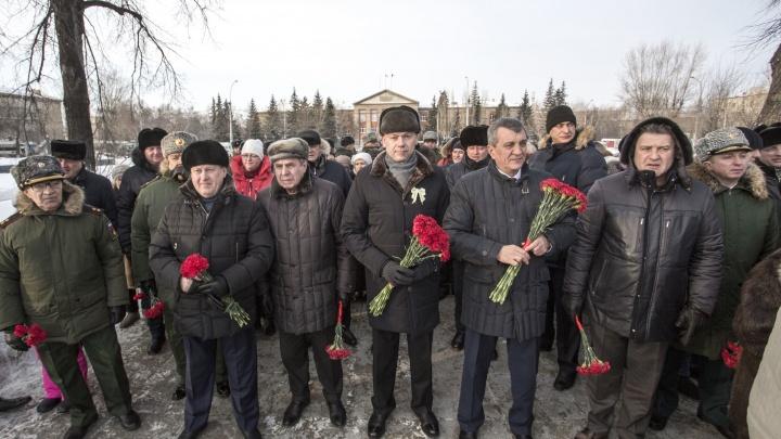 Две сотни новосибирцев вышли на мороз в память о блокаде Ленинграда
