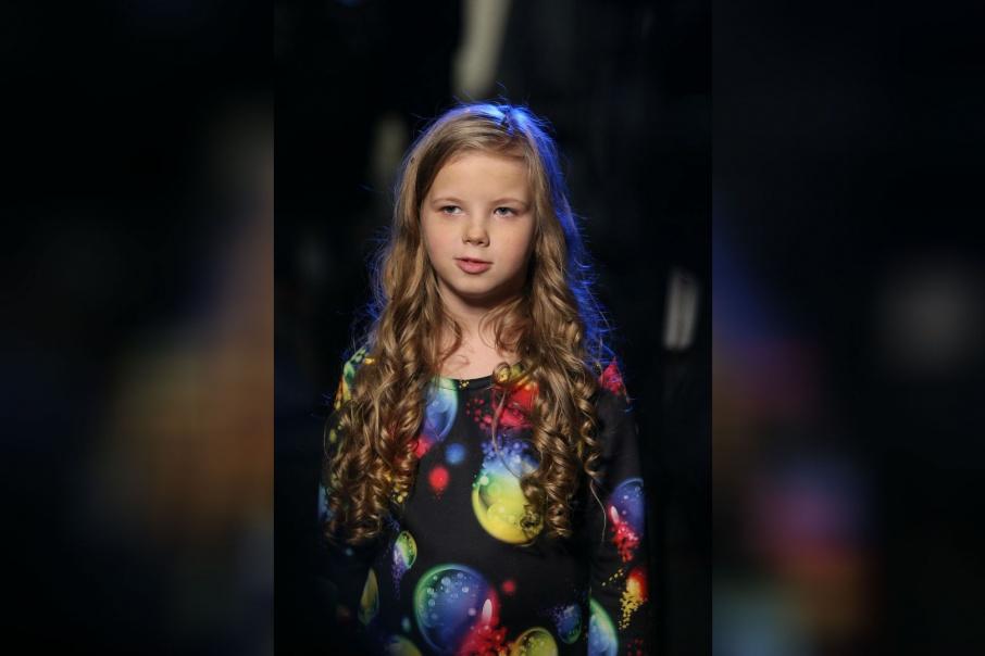 На проекте «Ты супер!» девочку поддерживает дружная семья