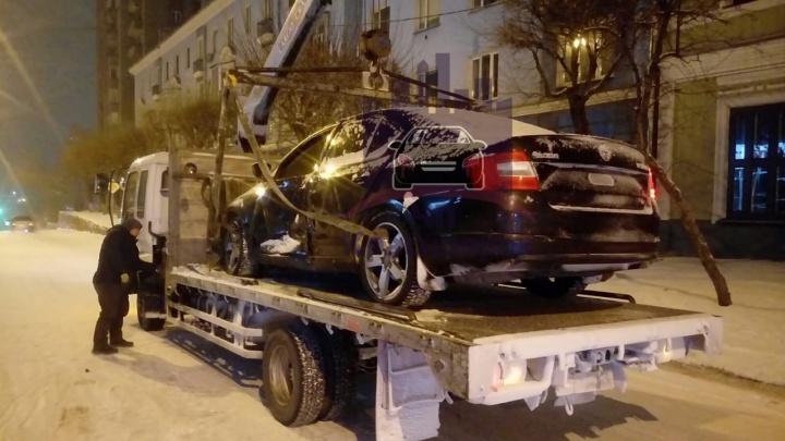Скандальный гонщик на «Шкоде» устроил аварию и сбежал с места ДТП