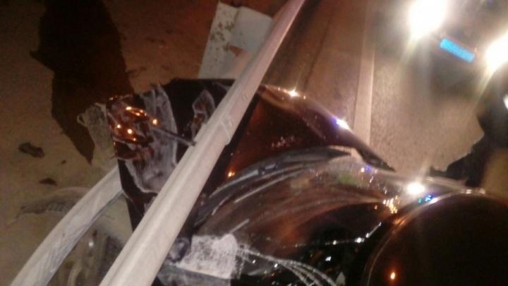 На мосту в Уфе ВАЗ-2110 влетел под отбойник