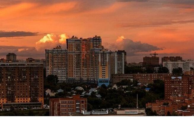 Алые облака над Новосибирском заворожили горожан