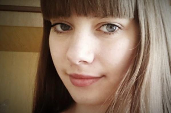 Девушку изнасиловали под Тюменью, а год спустя она сорвалась с 5-го этажа и разбилась. Эти два обстоятельства, по мнению экстрасенсов, связаны