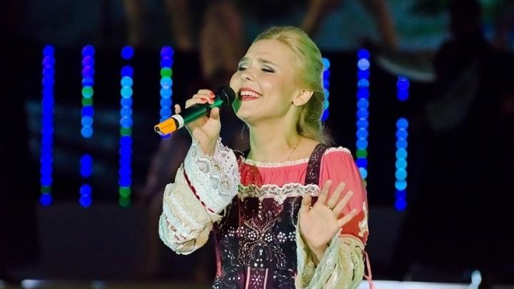 Чиновники потратят на закрытый концерт Пелагеи в оперном театре 1,75 миллиона рублей