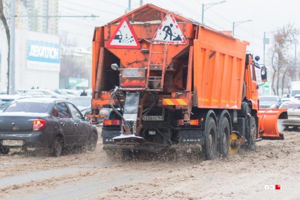 Убирать дороги в Самаре должны ежедневно