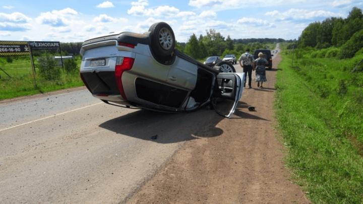 ДТП в Башкирии попало на видео: иномарка перевернулась на выезде из Иглино