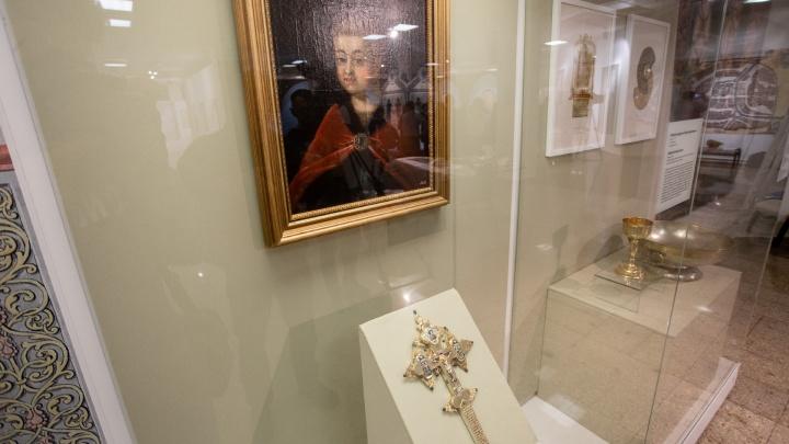 «От рождения до воцарения»: челябинцам покажут личные вещи наследников русского престола
