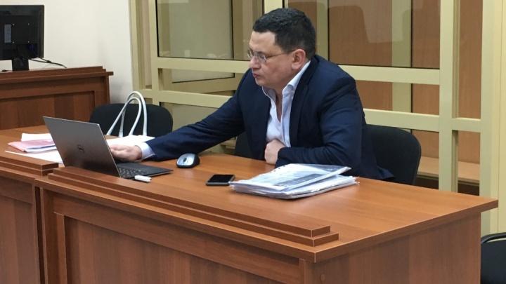 Обвиняемому во взятке пермскому экс-министру транспорта Алмазу Закиеву грозит до 15 лет колонии