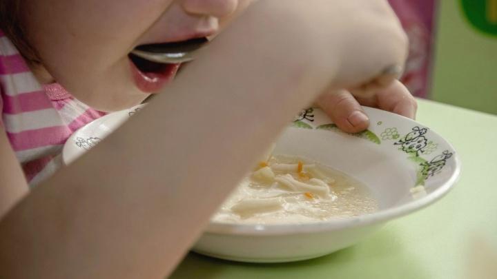 Усиленный контроль качества питания в детских садах Волгограда осуществляется на всех уровнях