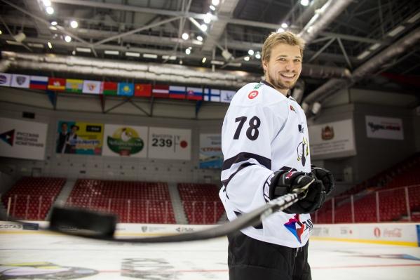 Последний год хоккеист играл за санкт-петербургский клуб «СКА-Нева»