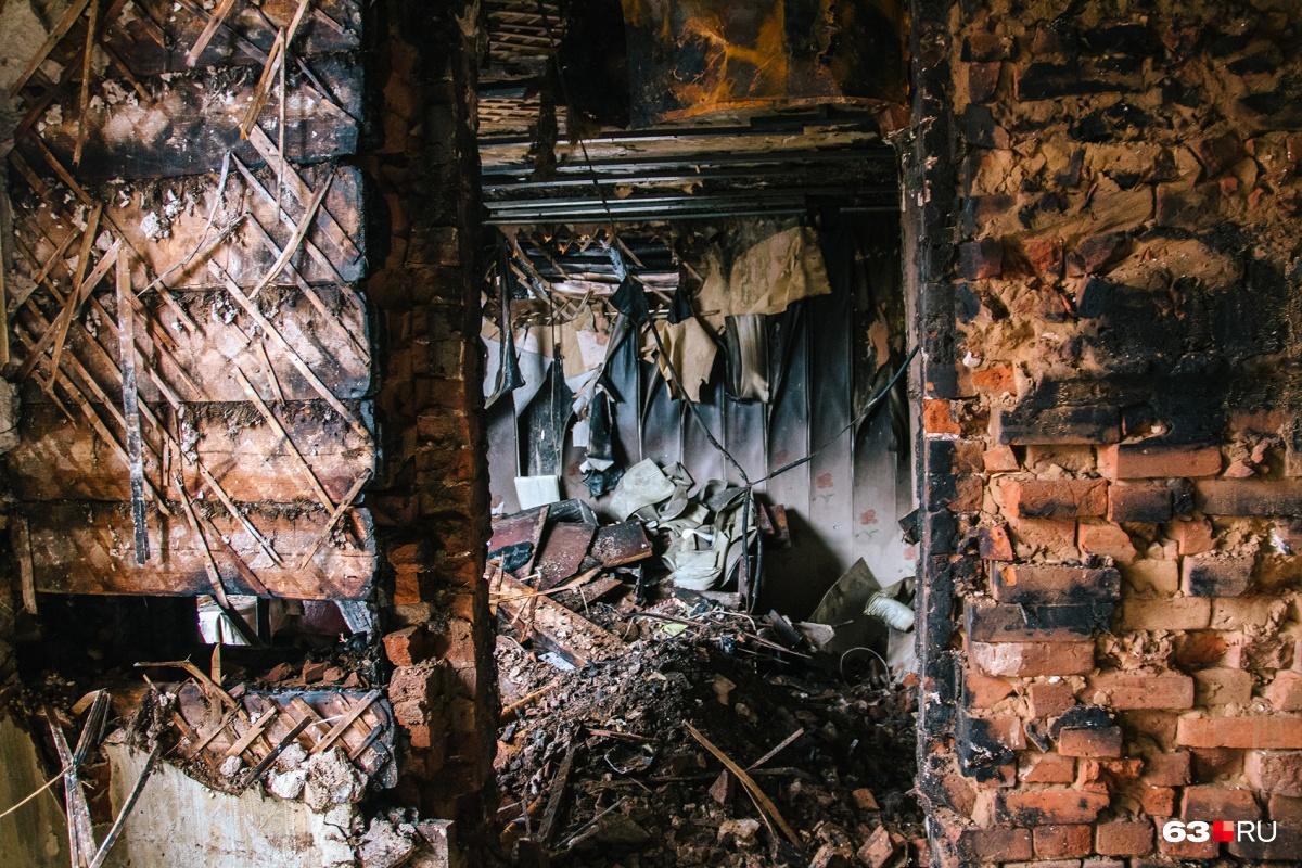 Дачный дом выгорел