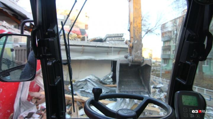 «Есть угроза оползня у Волги»: в Самаре бизнесмена обязали снести дома на склоне в Студеном овраге