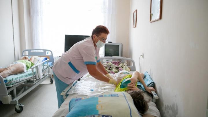 «Психолог больше нужен персоналу, чем пациентам»: медсестра красноярского хосписа — о своей работе