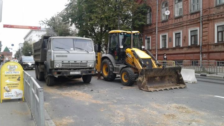 Варварскую перекрыли. В центре Нижнего Новгороде серьезные пробки