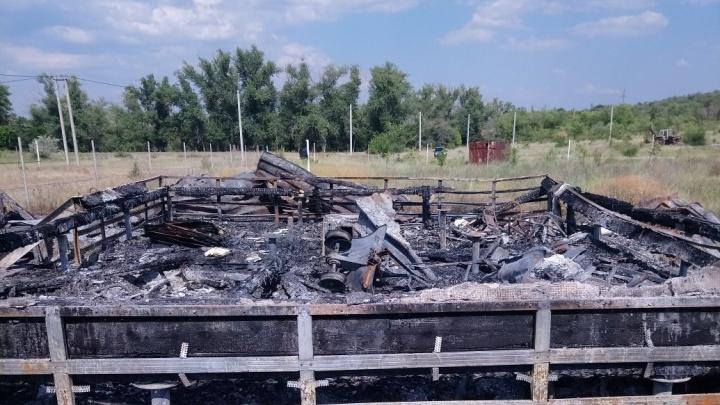 В Волгограде семья с восемью детьми в одну ночь осталась без дома