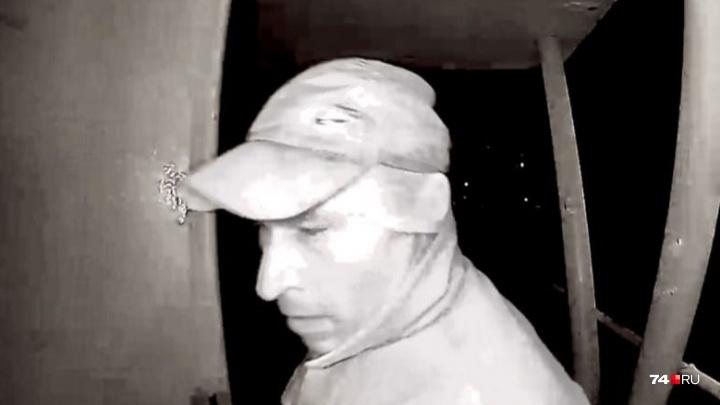 В Челябинске задержали нового подозреваемого в нападении на женщину в подъезде на Северо-Западе