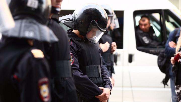 Двое студентов пришли на пары и получили повестки в полицию за митинг 9 сентября