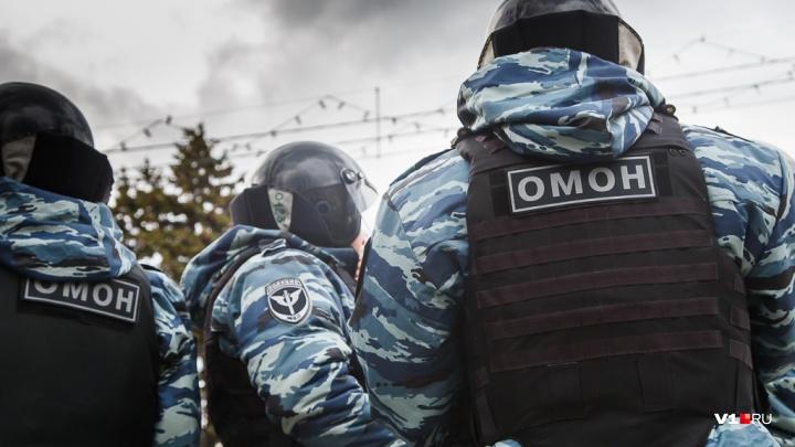 «Бил сотрудника Росгвардии ногами»: обвиняемого по «московскому делу» волжанина отправили в СИЗО